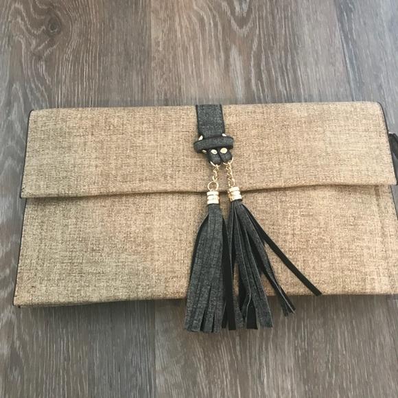 Handbags - Clutch / Crossbody